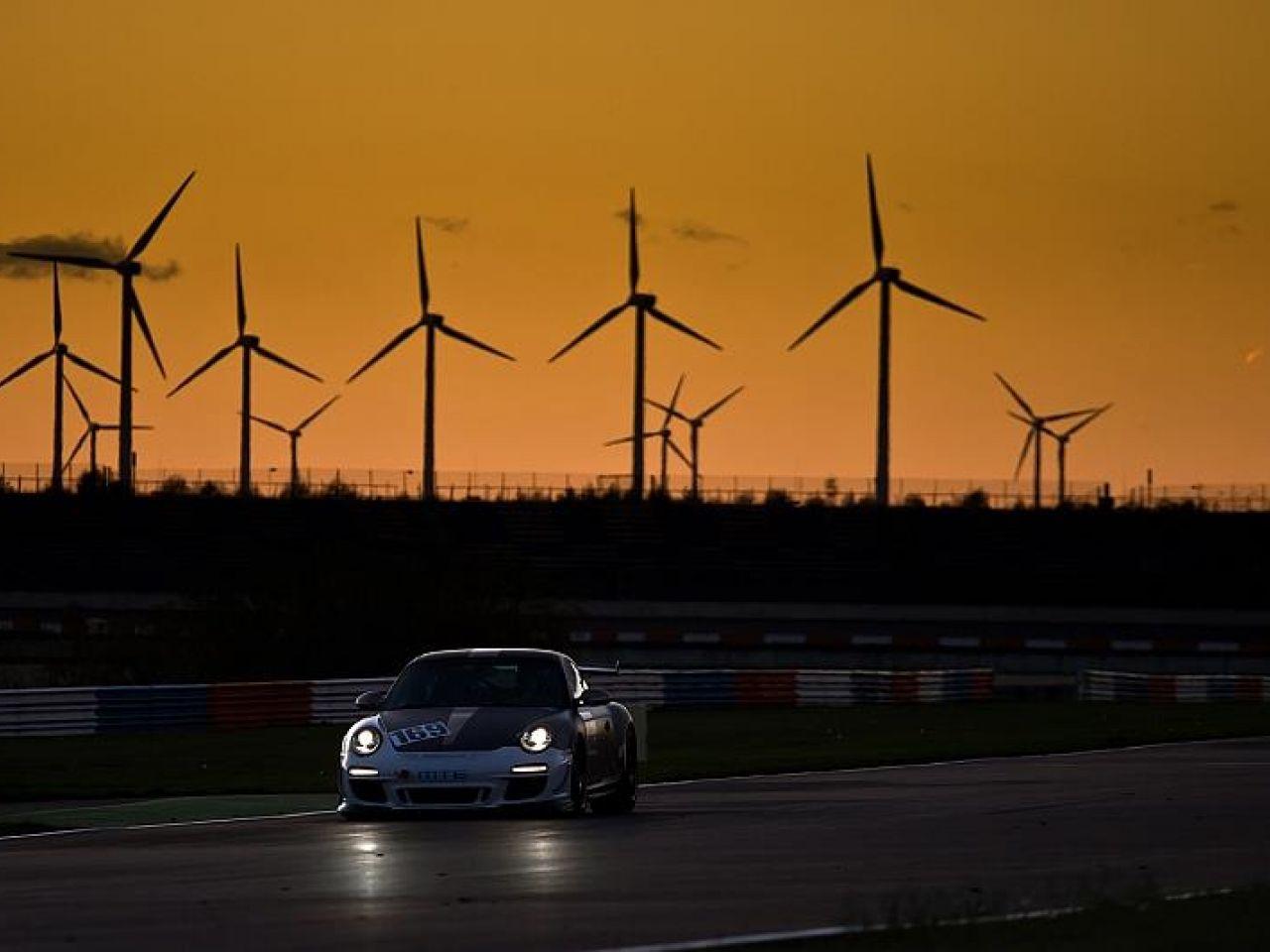 Porsche 997 GT3 RS Lausitzring Abenddämmerung